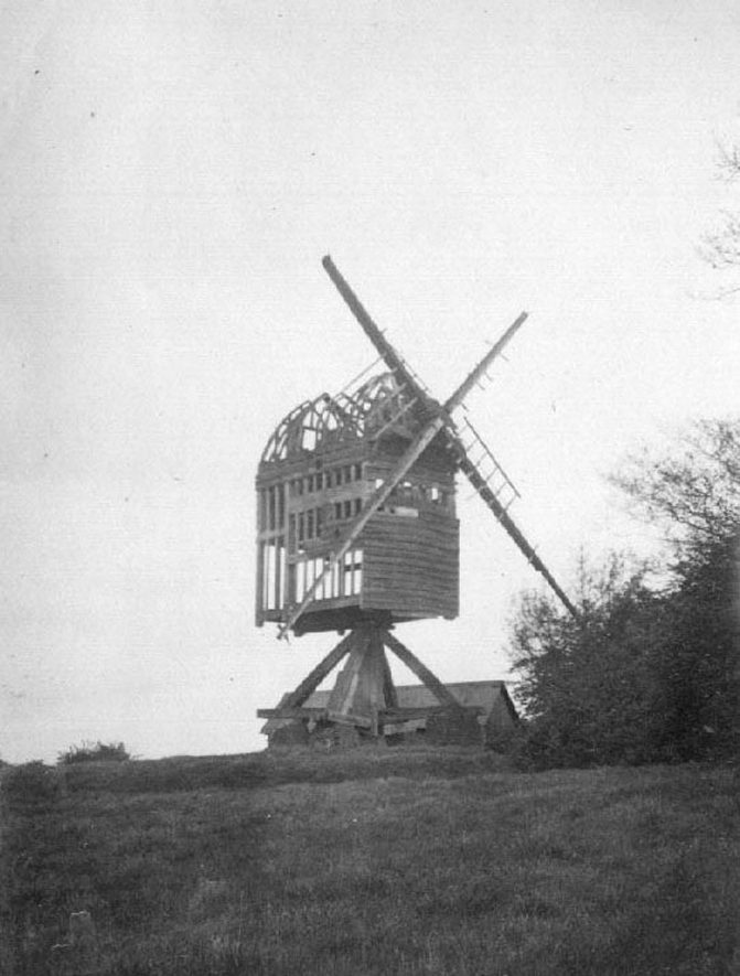 Baxterley Windmill, showing dilapidated post-mill.  1920s |  IMAGE LOCATION: (Warwickshire County Record Office)