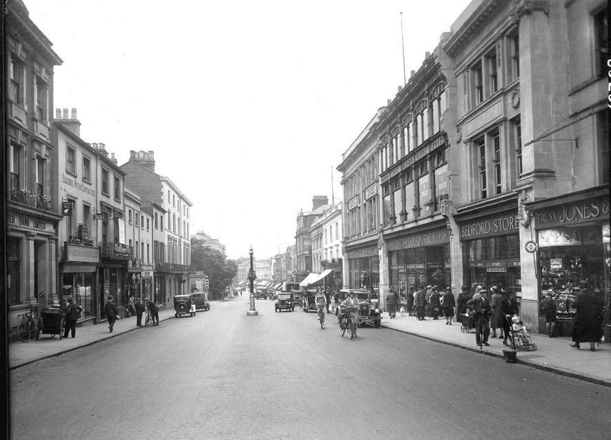 View looking south along The Parade, Leamington Spa.  1930s |  IMAGE LOCATION: (Warwickshire County Record Office)