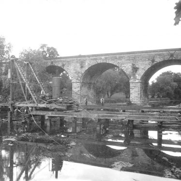 Leamington Spa.  Building bridge over River Leam