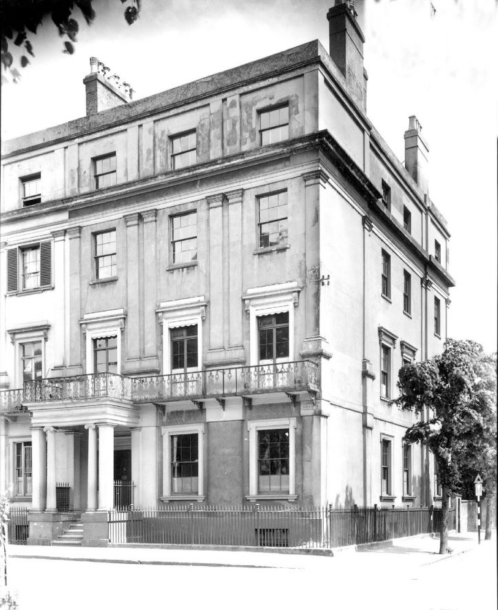 House on corner of Clarendon Square, Leamington Spa.  1930s |  IMAGE LOCATION: (Warwickshire County Record Office)