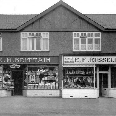 Leamington Spa.  Cubbington Road, shops