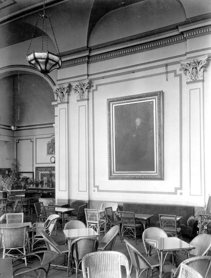 Interior of the Pump Rooms showing a portrait of  Henry Jephson, Leamington Spa.  1920s    IMAGE LOCATION: (Warwickshire County Record Office)