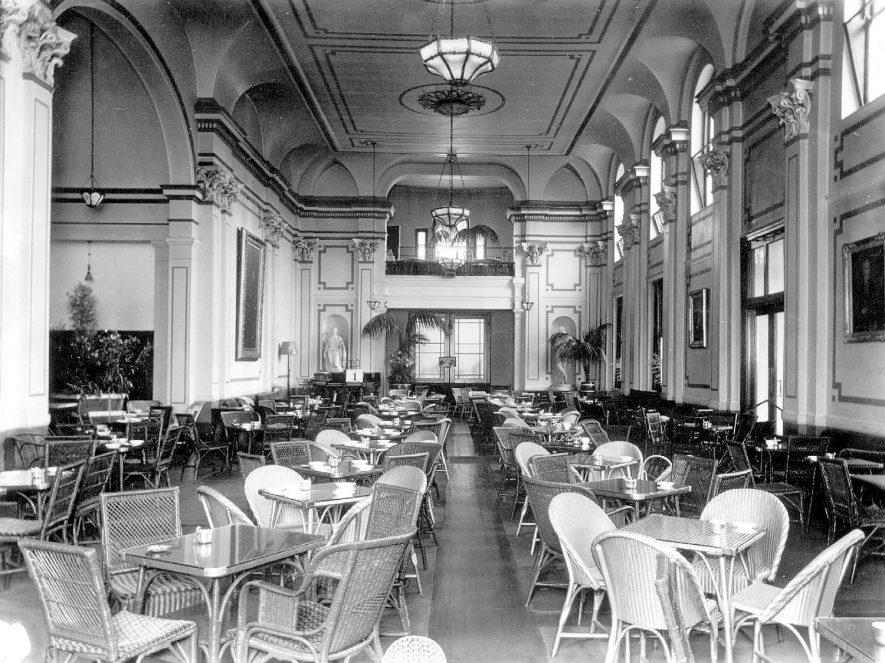 Interior of the Pump Rooms, Leamington Spa.  1920s |  IMAGE LOCATION: (Warwickshire County Record Office)