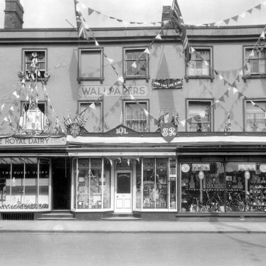 Leamington Spa.  Warwick Street, decorated shops