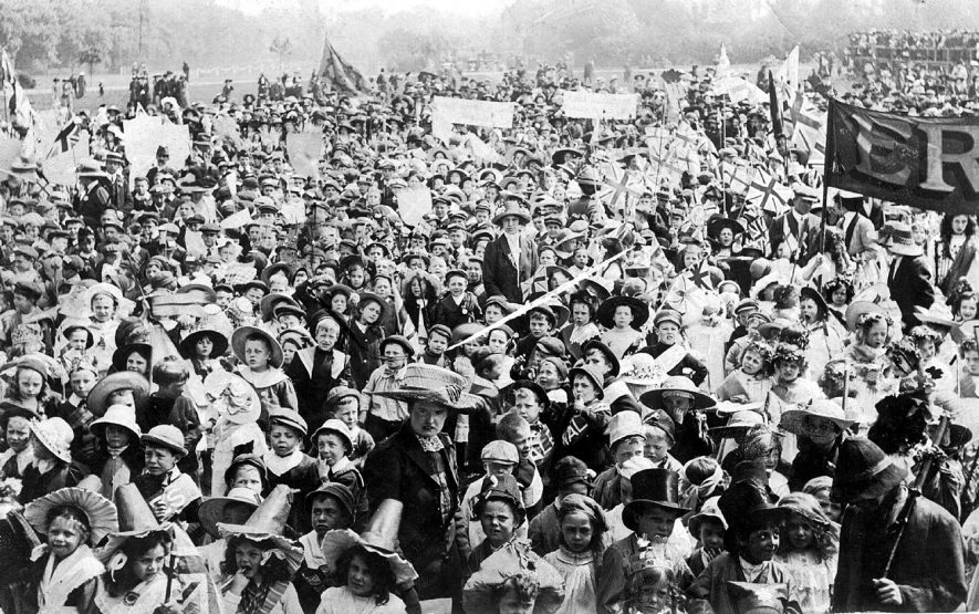 A large crowd, mainly of children in fancy dress gathered for a carnival in Leamington Spa.  1910s |  IMAGE LOCATION: (Warwickshire County Record Office)
