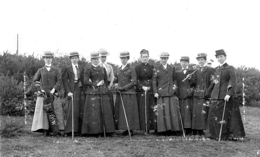 The team of Warwickshire Ladies Golf Club who played Northamptonshire - the return match at Coventry on November 22nd 1900. |  IMAGE LOCATION: (Warwickshire County Record Office)