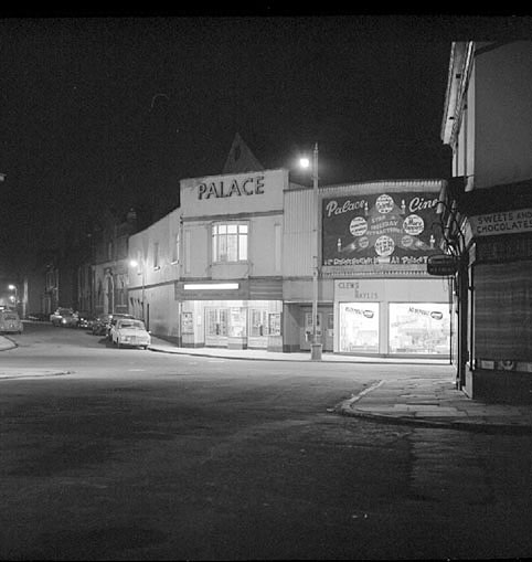 The Palace cinema in Queen's Road, Nuneaton, taken at night.  December 20th 1966 |  IMAGE LOCATION: (Warwickshire County Record Office)
