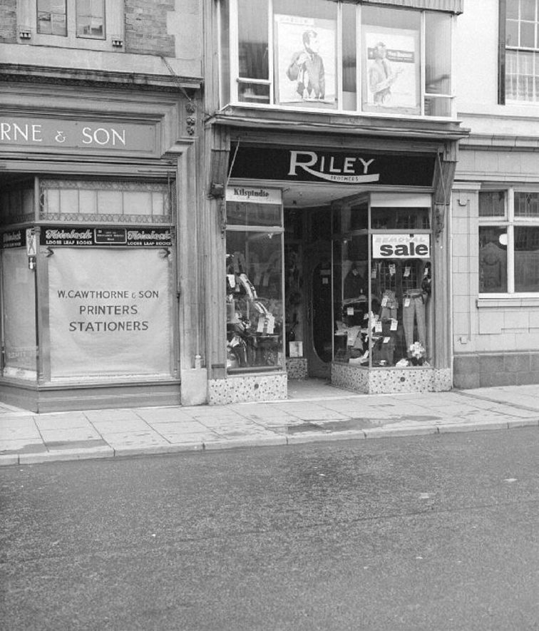 Riley's outfitters in Market Place, Nuneaton. The business moved to Queen's Road soon after this picture was taken.  April 2nd 1967 |  IMAGE LOCATION: (Warwickshire County Record Office)