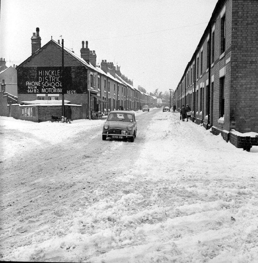 View of Duke Street in the snow, looking towards Manor Court Road, Nuneaton.  January 13th 1968 |  IMAGE LOCATION: (Warwickshire County Record Office)