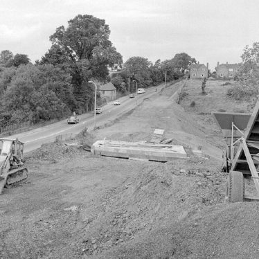 Nuneaton.  Griff Hollow, road works
