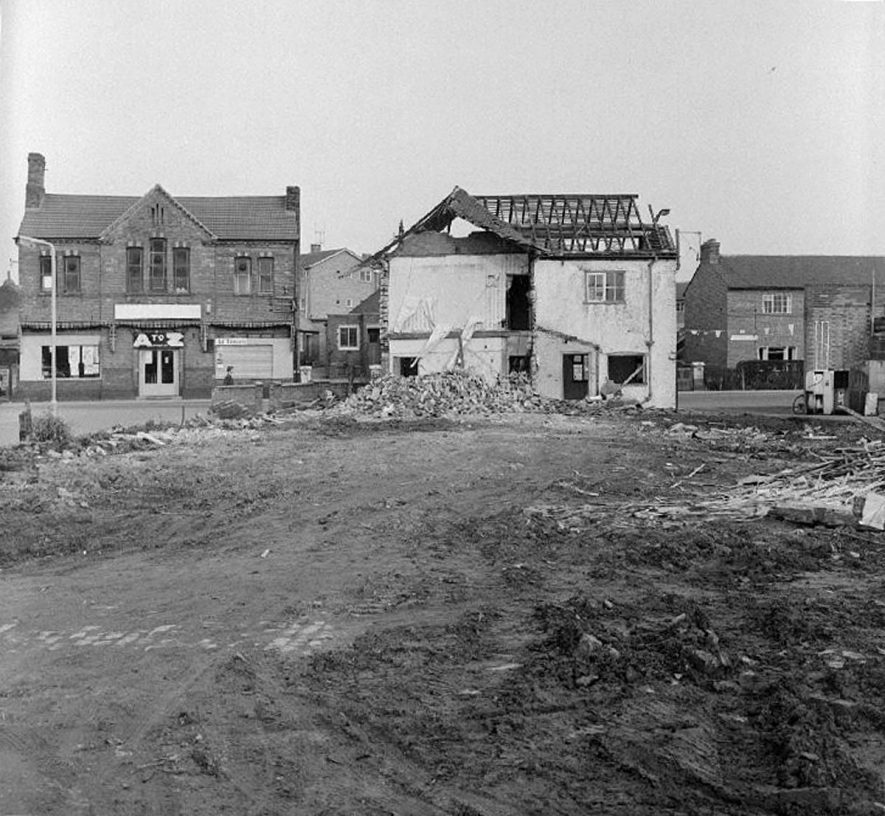 Demolition of old cottages in the Kem Street area of Attleborough Green, Nuneaton. January 26th 1969 |  IMAGE LOCATION: (Warwickshire County Record Office)