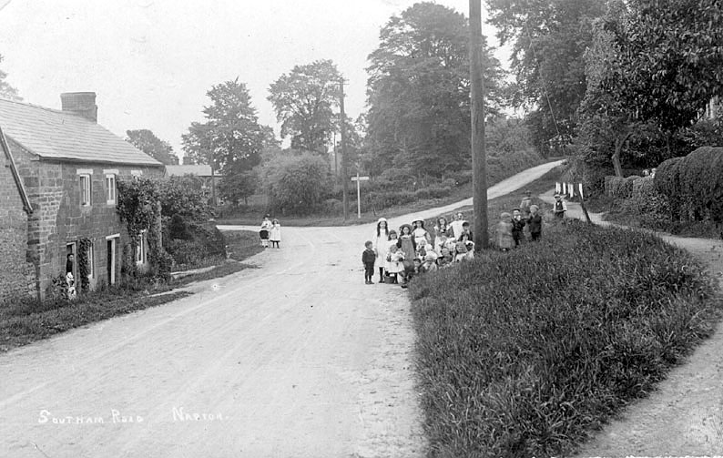 Southam Road, Napton; looking east towards the junction.  1900s |  IMAGE LOCATION: (Warwickshire County Record Office)