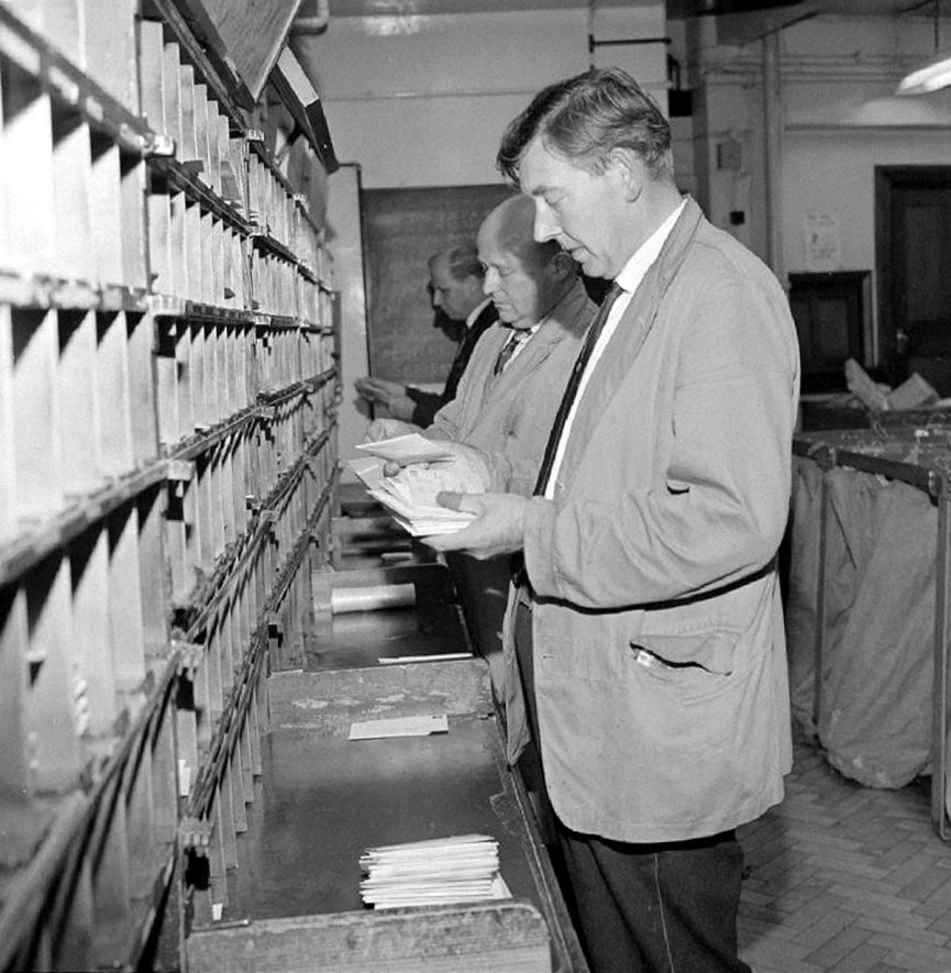 Letter sorting at Nuneaton General Post Office.  1969 |  IMAGE LOCATION: (Warwickshire County Record Office)