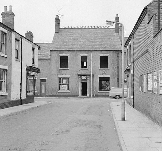 The Windsor Hotel in Windsor Street, Nuneaton, just prior to demolition.  August 23rd 1970 |  IMAGE LOCATION: (Warwickshire County Record Office)