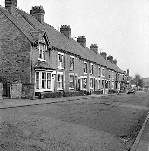 View of Arthur Street, Chilvers Coton, Nuneaton, before demolition of the houses and street name.  March 25th 1972 |  IMAGE LOCATION: (Warwickshire County Record Office)