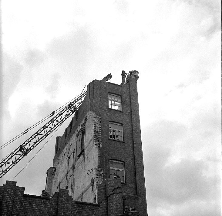 Demolition of the flour mills, Mill Walk, Nuneaton.  March 31st 1973 |  IMAGE LOCATION: (Warwickshire County Record Office)