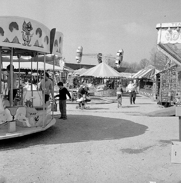 Barker's spring fair in The Pingles, Nuneaton.  April 15th 1973 |  IMAGE LOCATION: (Warwickshire County Record Office)