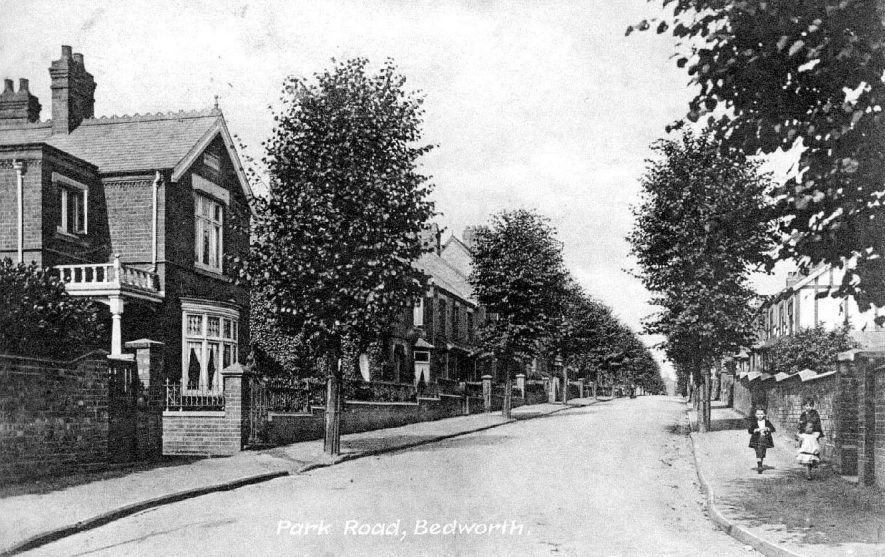 Park Road, Bedworth.  1910s |  IMAGE LOCATION: (Warwickshire County Record Office)