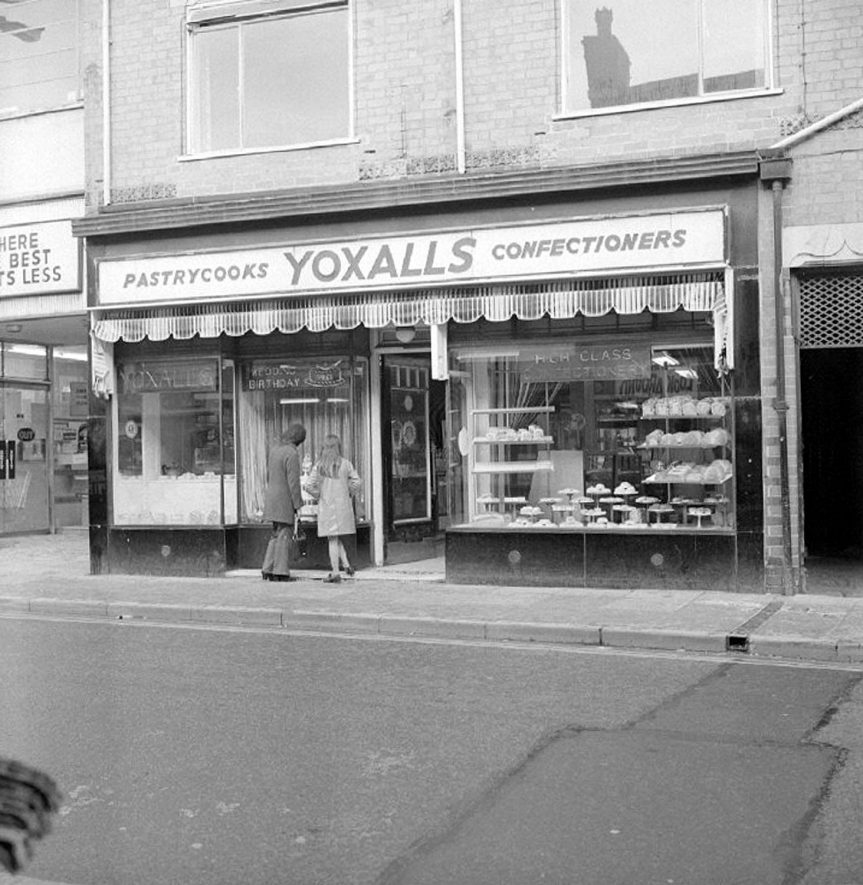 Yoxall's cafe and cake shop, Abbey Street, Nuneaton.  December 10th 1973 |  IMAGE LOCATION: (Warwickshire County Record Office)