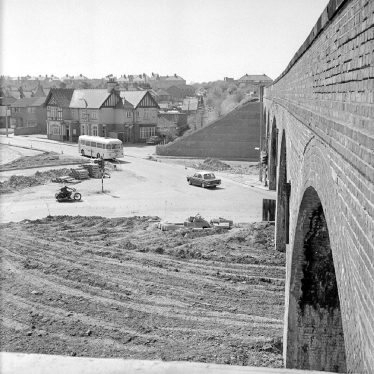 Chilvers Coton. Coton Arches, roundabout construction