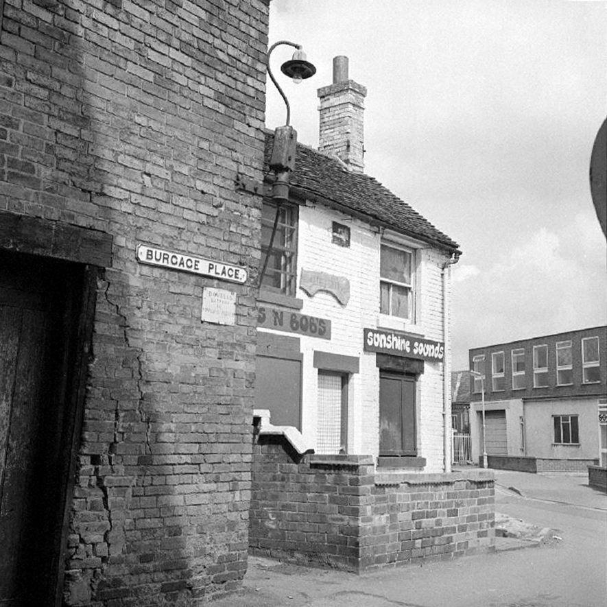 Old property in Burgage Place, Nuneaton. May 15th 1977. |  IMAGE LOCATION: (Warwickshire County Record Office)