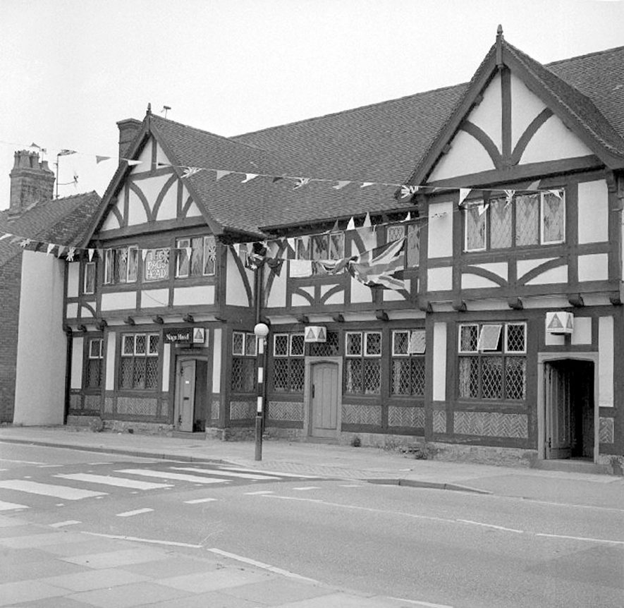 The Nag's head public house, Nuneaton, decorated for the Silver Jubilee.  29 May 1977 |  IMAGE LOCATION: (Warwickshire County Record Office)