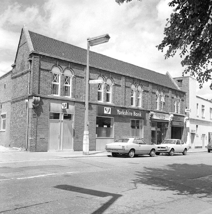 The Yorkshire Bank in Coton Road (opposite Mill Walk), Nuneaton.  24 July 1977 |  IMAGE LOCATION: (Warwickshire County Record Office)