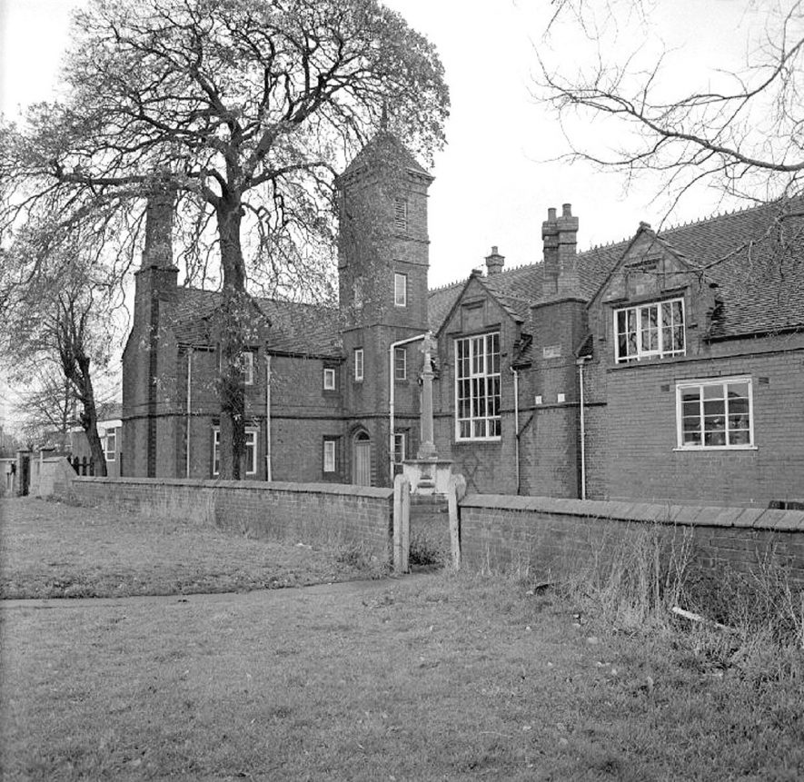 Vicarage Street School before demolition, Nuneaton.  27 January 1978 |  IMAGE LOCATION: (Warwickshire County Record Office)