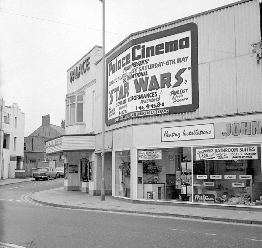 Palace Cinema, Queen's Road, Nuneaton.  9 April 1978 |  IMAGE LOCATION: (Warwickshire County Record Office)