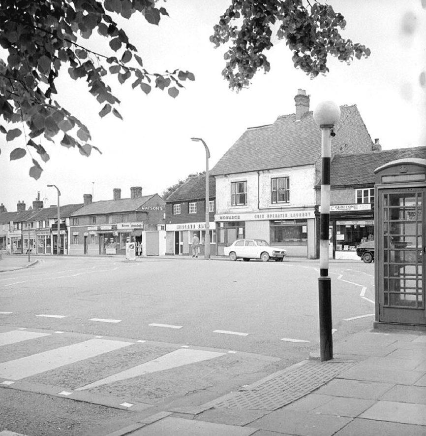 Attleborough Green looking towards Bull Street, Nuneaton.  16 July 1978 |  IMAGE LOCATION: (Warwickshire County Record Office)