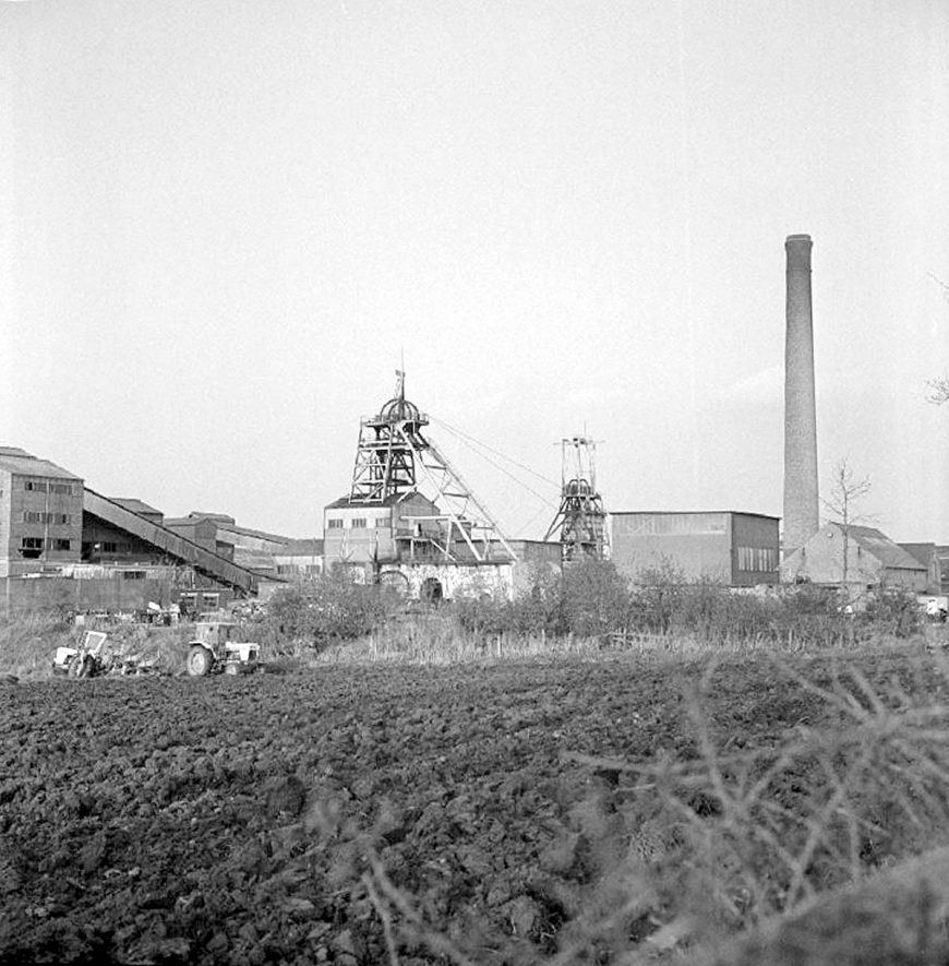 Newdigate Colliery from the main entrance.  Taken after the colliery had been closed by the National Coal Board.  1982 |  IMAGE LOCATION: (Warwickshire County Record Office)