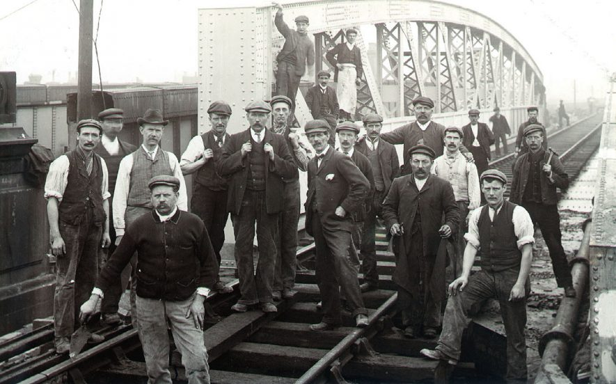 Group of workmen on the new railway bridge at Leamington Spa Railway Station.  1930s |  IMAGE LOCATION: (Warwickshire County Record Office)