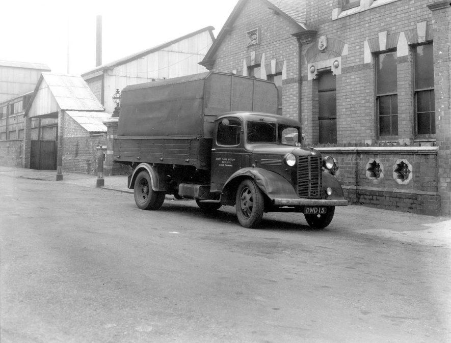 Flavel lorry standing outside their despatch department.  1946 |  IMAGE LOCATION: (Leamington Library)