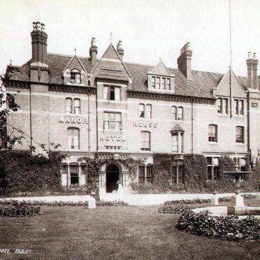 Leamington Spa.  Avenue Road, Manor House Hotel