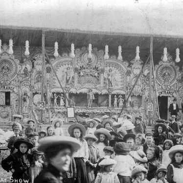 Leamington Spa.  Collins' Great Fairground Show