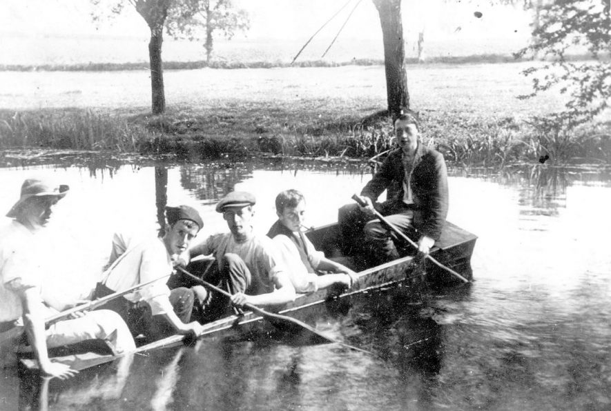 All Saints Youth Club on the River Leam, summer of 1912 or 1913.  L to R: n/k,  Mr Frank 'Bon' Atkins, n/k,  Ted Rowlatt,  Arthur Stapleton |  IMAGE LOCATION: (Leamington Library) IMAGE DATE: (c.1912) PEOPLE IN PHOTO: Stapleton, Arthur, Rowlatt, Ted, Atkins, Frank