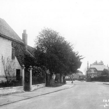 Lillington.  Farm Road