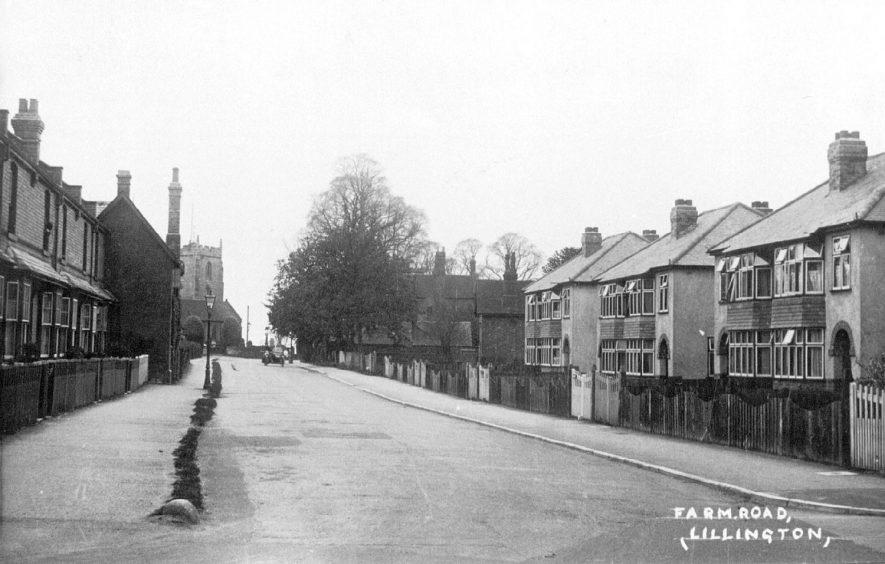Farm Road, Lillington.  1930s |  IMAGE LOCATION: (Leamington Library)