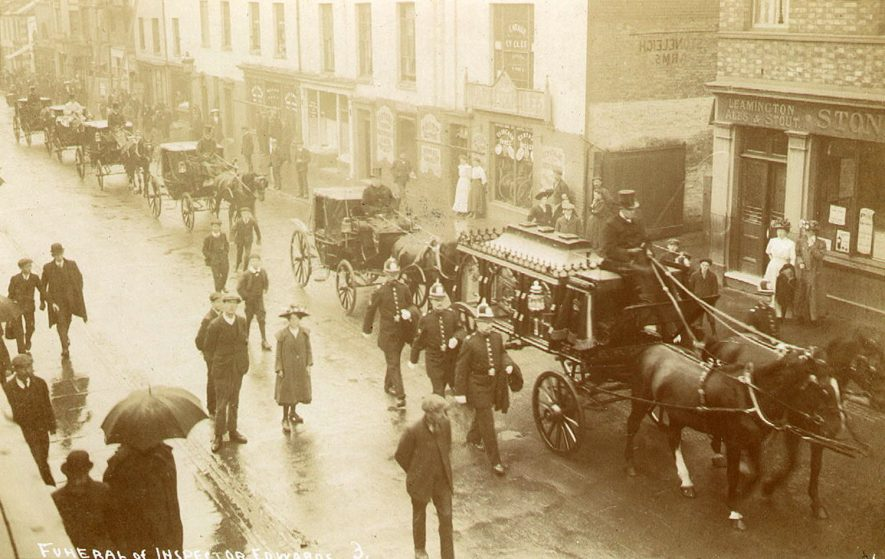 Funeral of Inspector Edwards, Leamington Spa.  1920s |  IMAGE LOCATION: (Leamington Library)