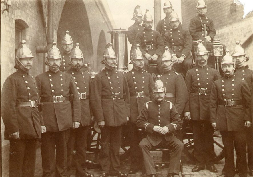 A group of firemen with their officer, Leamington Spa.  1910s |  IMAGE LOCATION: (Leamington Library)