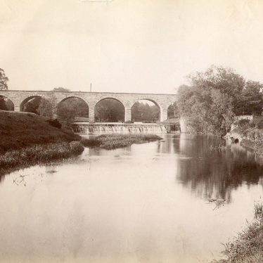 Leamington Spa.  Railway viaduct over the River Leam