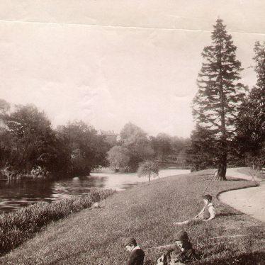 Leamington Spa.  River Leam