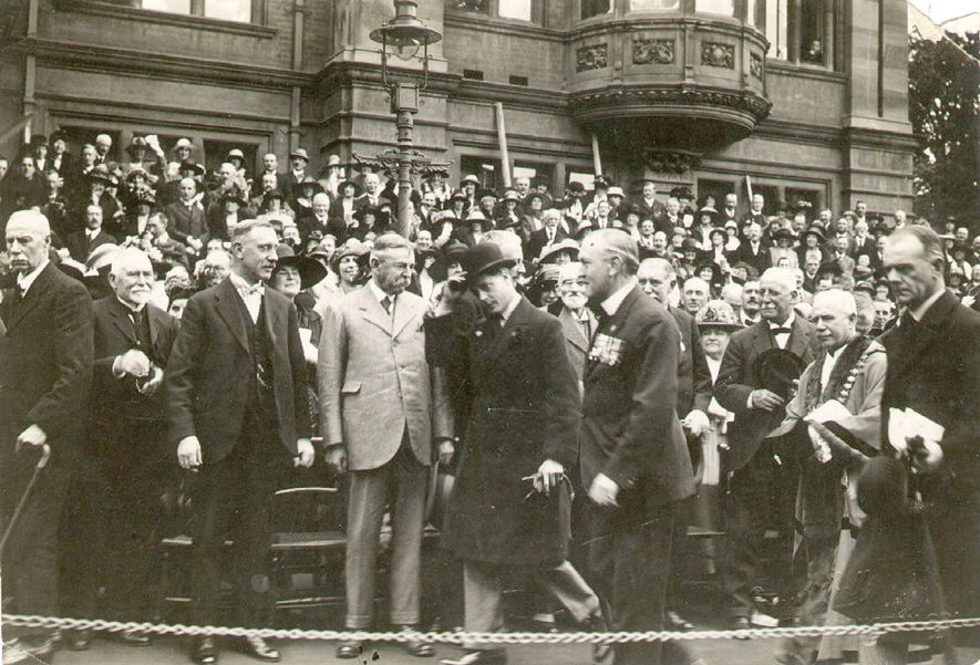 Visit by Edward, Prince of Wales, to Leamington Spa.  1930s |  IMAGE LOCATION: (Leamington Library) PEOPLE IN PHOTO: Edward, Prince of Wales
