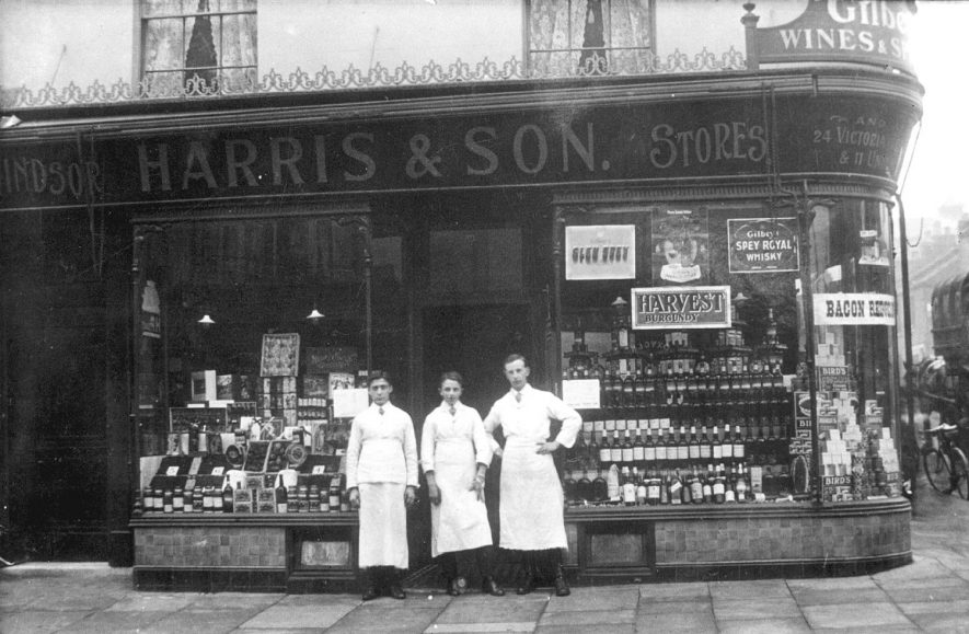 The shop front of Harris and son, grocers, at 33 Regent Street, Leamington Spa.  1910s |  IMAGE LOCATION: (Leamington Library)