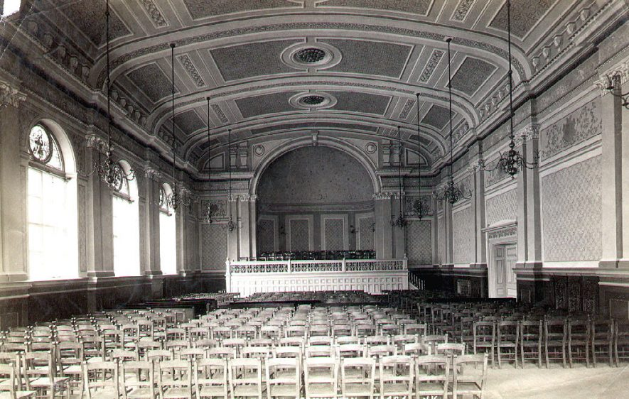 Leamington Spa Town Hall interior.  1920s |  IMAGE LOCATION: (Leamington Library)
