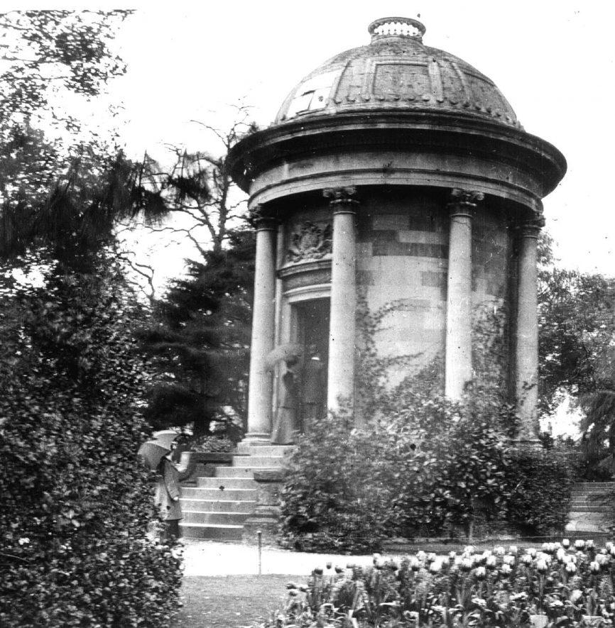 The Jephson Temple in the Jephson Gardens, Leamington Spa.  1900 |  IMAGE LOCATION: (Leamington Library)