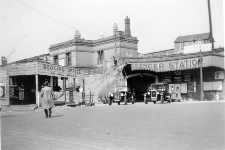 Leamington Spa Station.  1930s |  IMAGE LOCATION: (Leamington Library)