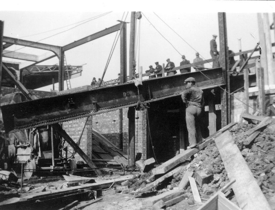 Demolition and construction work at Leamington Spa station.  1937 |  IMAGE LOCATION: (Leamington Library)
