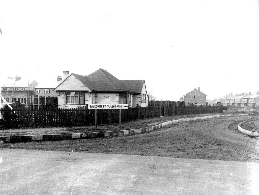 New housing estate at Hillmorton Paddox, Rugby.  1933 |  IMAGE LOCATION: (Rugby Library)