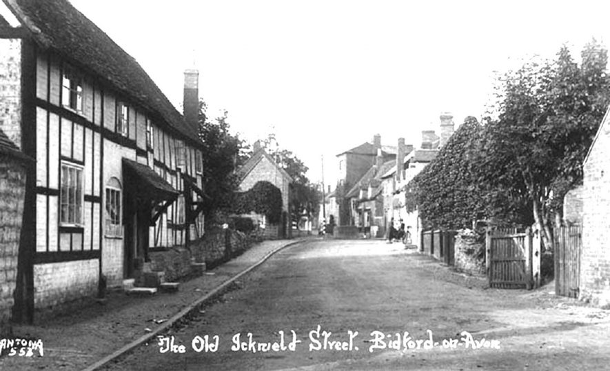'Old Icknield Street', Bidford on Avon.  1900  Icknield Street, sometimes Rycknield Street, was a Roman road which ran through Derby, Lichfield, Birmingham and Alcester. The origin of this name is very obscure (Vict. Hist. of Warwick, i. 239). |  IMAGE LOCATION: (Warwickshire County Record Office)